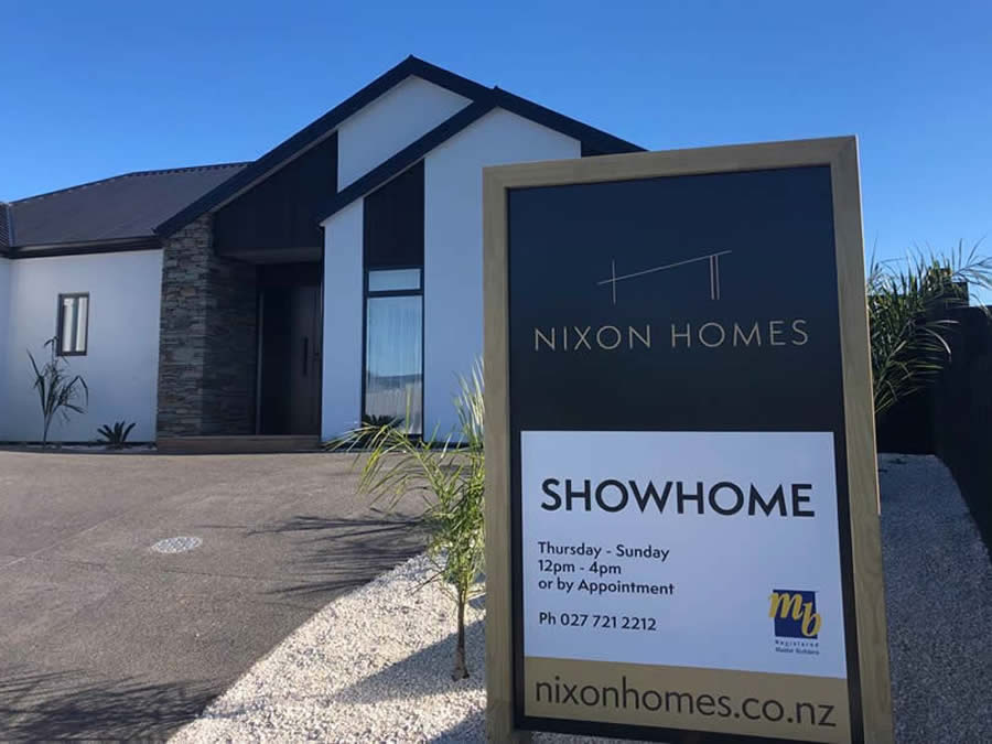Nixon Homes Showhome Sign